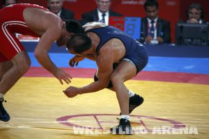 London2012FreestyleWrestling84kg Sharifov Lashgari  (20).jpg