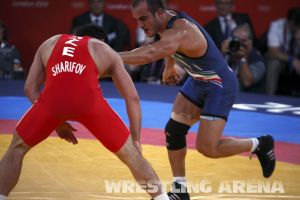 London2012FreestyleWrestling84kg Sharifov Lashgari  (22).jpg