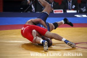 London2012FreestyleWrestling84kg Sharifov Lashgari  (26).jpg