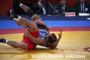 London2012FreestyleWrestling84kg Sharifov Lashgari  (27).jpg