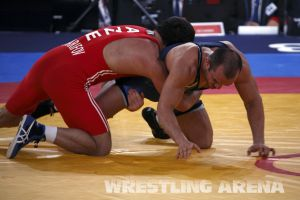 London2012FreestyleWrestling84kg Sharifov Lashgari  (32).jpg