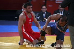 London2012FreestyleWrestling84kg Sharifov Lashgari  (35).jpg