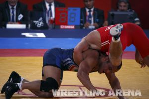 London2012FreestyleWrestling84kg Sharifov Lashgari  (36).jpg