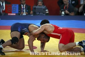 London2012FreestyleWrestling84kg Sharifov Lashgari  (37).jpg