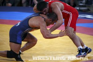 London2012FreestyleWrestling84kg Sharifov Lashgari  (45).jpg
