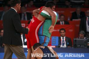 London2012FreestyleWrestling84kg Sharifov Lashgari  (57).jpg