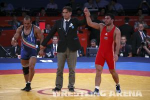 London2012FreestyleWrestling84kg Sharifov Lashgari  (58).jpg