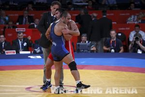 London2012FreestyleWrestling84kg Sharifov Lashgari  (59).jpg