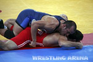 London2012FreestyleWrestling84kg Sharifov Lashgari  (9).jpg