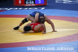London2012FreestyleWrestling84kgLashgari Bolukbasi (24).jpg