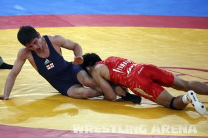 London2012FreestyleWrestling55kgKhinchegashvili Yumoto (15).jpg