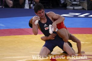 London2012FreestyleWrestling55kgKhinchegashvili Yumoto (27).jpg