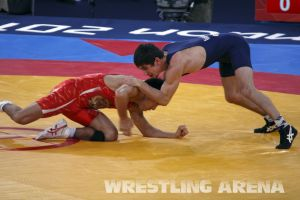London2012FreestyleWrestling55kgKhinchegashvili Yumoto (3).jpg
