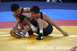 London2012FreestyleWrestling55kgKhinchegashvili Yumoto (30).jpg