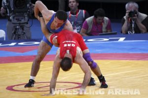 London2012FreestyleWrestling74kgTigiev Motsalin (17).jpg
