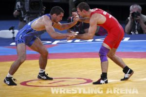 London2012FreestyleWrestling74kgTigiev Motsalin (28).jpg