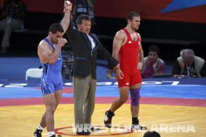 London2012FreestyleWrestling74kgTigiev Motsalin (33).jpg