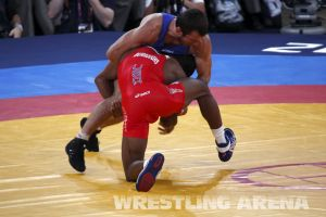London2012FreestyleWrestling74kgBurroughs Tsargush (26).jpg