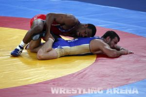 London2012FreestyleWrestling74kgBurroughs Tsargush (55).jpg