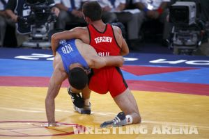 London2012FreestyleWrestling74kgTigiev Terziev (23).jpg