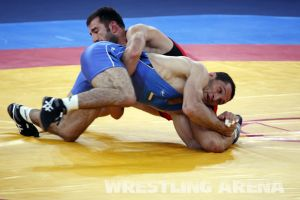London2012FreestyleWrestling74kgTigiev Terziev (37).jpg
