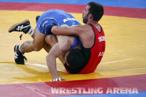 London2012FreestyleWrestling74kgTigiev Terziev (54).jpg