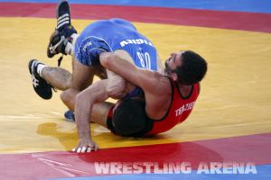 London2012FreestyleWrestling74kgTigiev Terziev (55).jpg