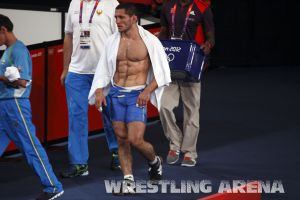 London2012FreestyleWrestling74kgTigiev Terziev (71).jpg
