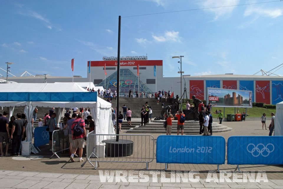 LOndon2012FreestyleWrestling74kgTsargush Gentry (2).jpg
